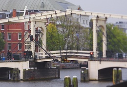 Oct 05 - Magere brug