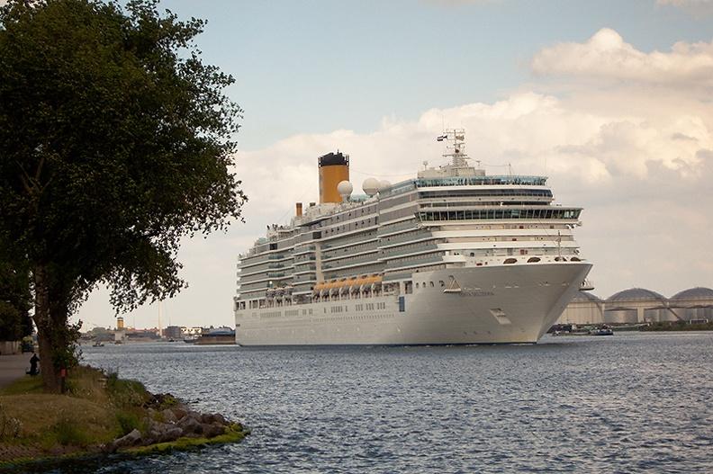 A nice addition to my cruiseship series