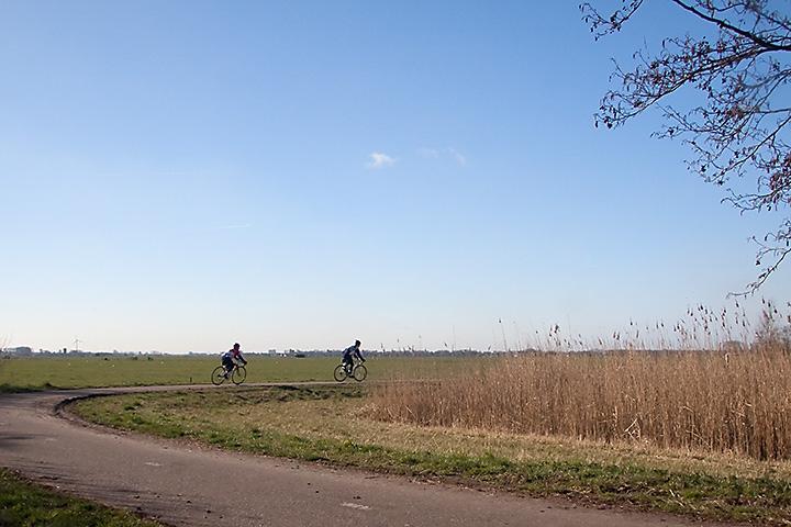 "Second day of my ""Willibrorduspad"" walk. Heiloo to Uitgeest (17km). Springlike weather!"